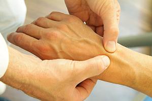 Артрит: причины, симптомы и профилактика заболевания
