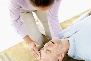 Первая медицинская и доврачебная помощь при инсульте