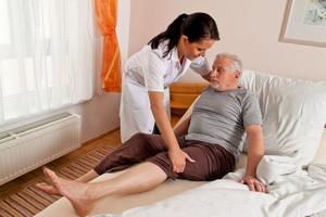Как и чем лечить пролежни лежачих больных