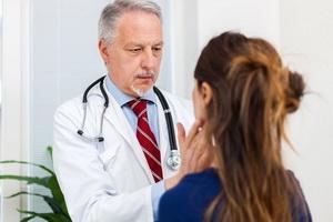 Химические ожоги глаз: помощь, лечение и последствия