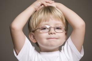 Астигматизм у детей: причины, симптомы и лечение