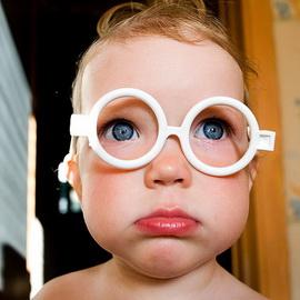 Почему прогрессирует близорукость у детей