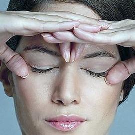 Может ли из за линз портится зрение