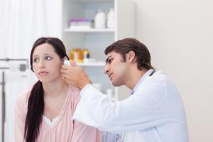 Формы отосклероза уха, симптомы и лечение болезни