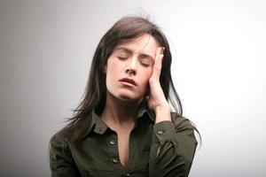 Головная боль: причины и лечение народными средствами