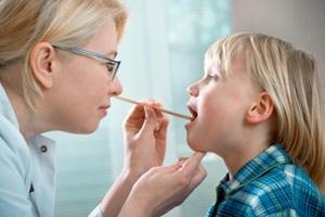 Фолликулярная ангина у детей: фото, симптомы и лечение