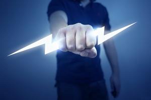 Электротравмы: причины, последствия и первая помощь