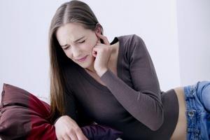 Аэроотит: симптомы, причины и лечение