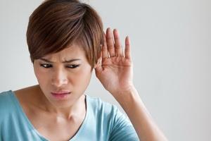 Кондуктивная тугоухость: степени, причины и лечение