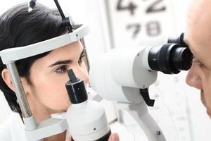 Острые нарушения кровообращения сетчатки глаза: симптомы и лечение